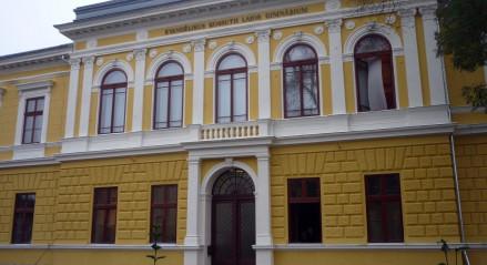 Szeptemberben a Nyíregyházi Evangélikus Kossuth Lajos Gimnáziumban, immár ötödik éve indít a Like-All Kft. számítástechnikai képzéseket!